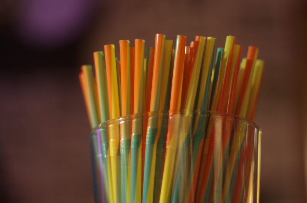 coloured plastic straws